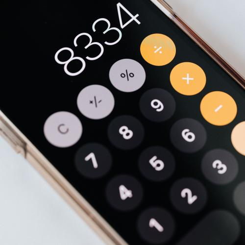 smartphone-with-calculator-app-showing-total-amount-4386293.jpg